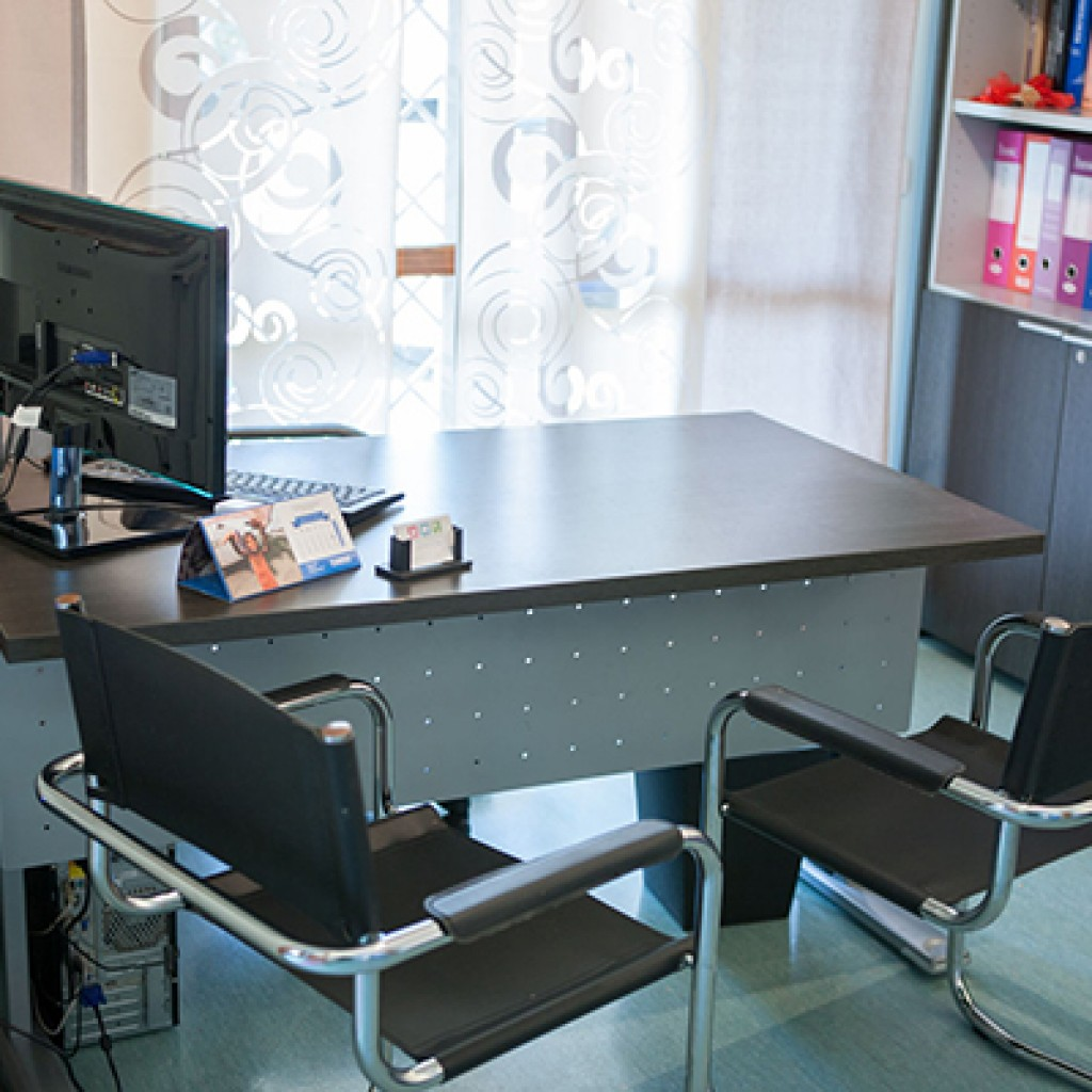 studio dentistico acilia tavolo