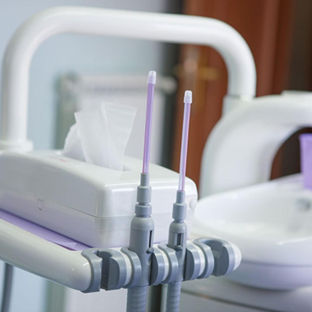 studio dentistico acilia strumenti