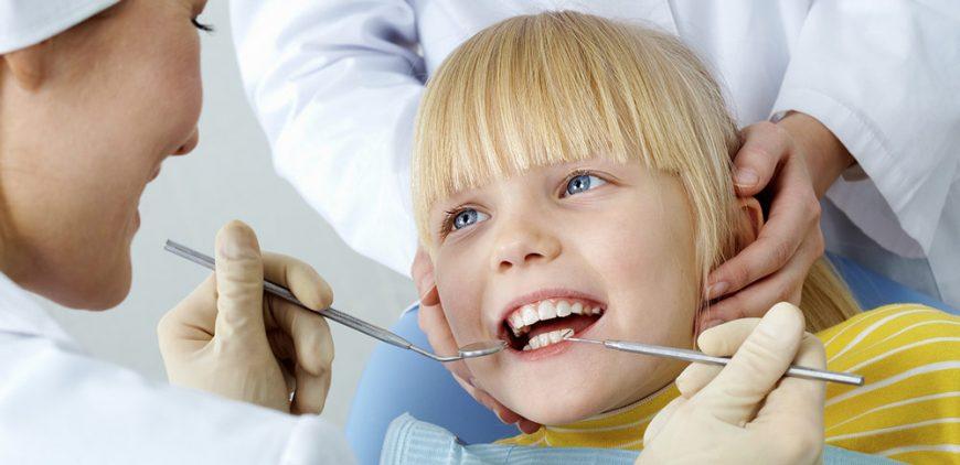 Pulizia denti bambini dal dentista